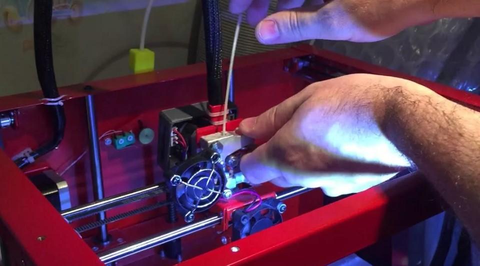 Отсутствие подачи пластика при печати на 3D принтере